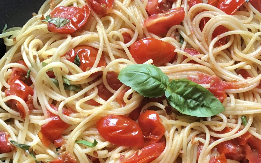 Spaghetti with Grape Tomatoes and Little Kick