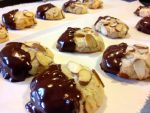 It's Cookie Time: Almond Cookies with Chocolate